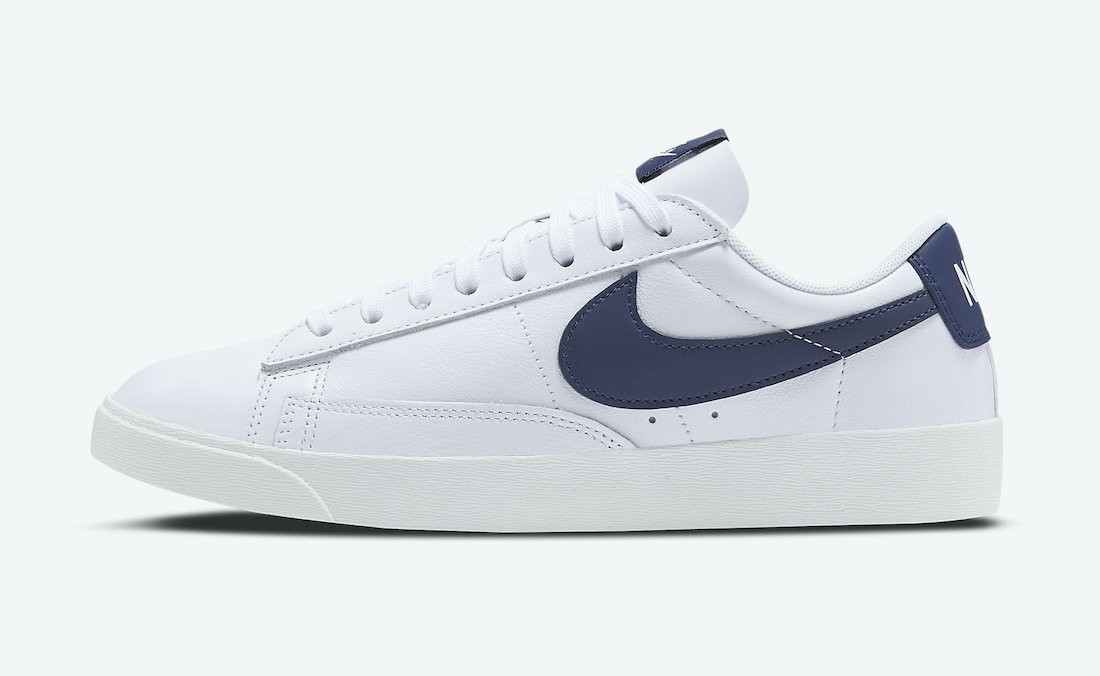AV9370-119 Nike Donne Blazer Low LE Scarpe - Bianche/Midnight Navy