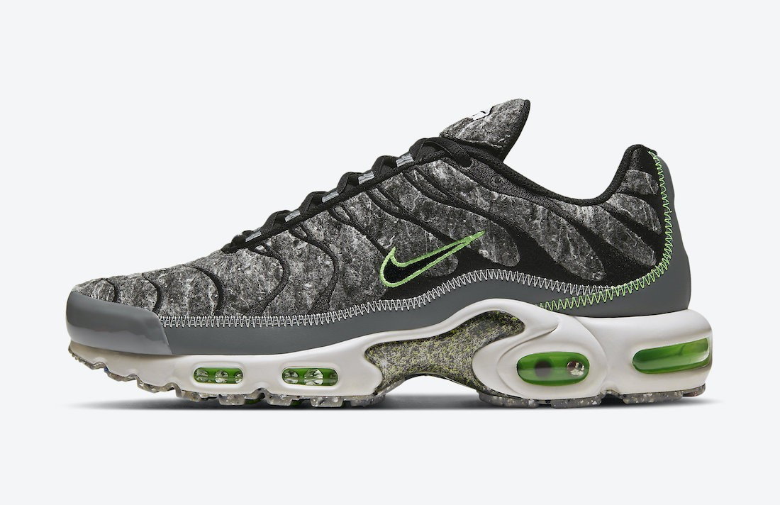 "DA9326-001 Nike Air Max Plus Essential ""Crater"" - Nere/Verdi-Grigio-Light Bone"