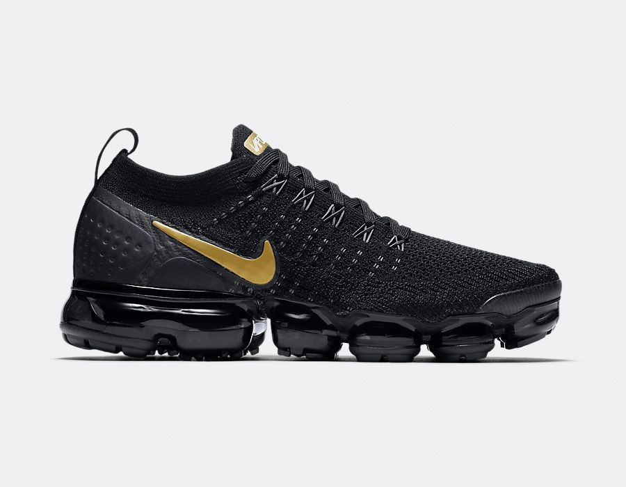 942843-012 Nike Donne Air VaporMax Flyknit 2 - Nere/Metallic Gold-Metallic Platinum
