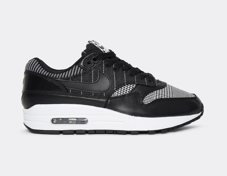 AT0063-200 Nike Donne Air Max 1 SE Scarpe - Nere/Nere-Bianche