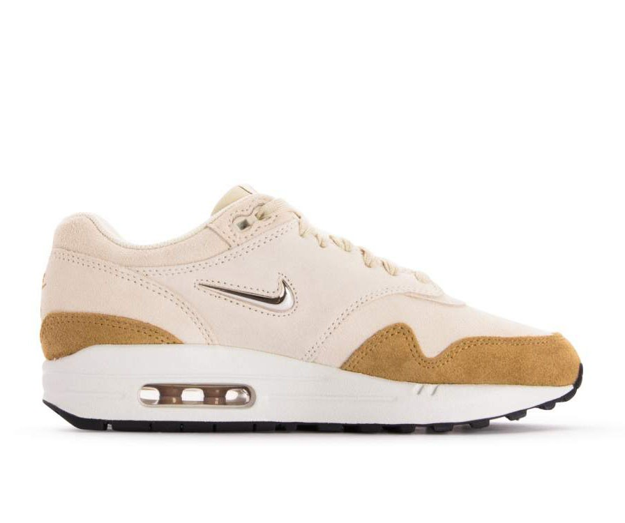 AA0512-200 Nike Donne Air Max 1 Premium SC - Beach/Metallic Gold-Muted Bronze